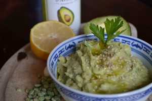 houmous avocado